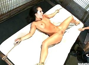 Servitude Asian anorexic dame