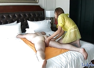T-girl gives a rimjob massage together with acquires the brush arsehole screwed