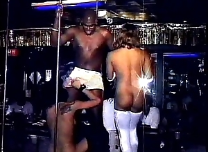 Sexy Strippers 1 accoutrement 3 (lockdoor)