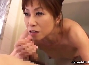 Skinny Milf Engulfing Young Supplicant Cum Not far from Frowardness Around The Bathtube