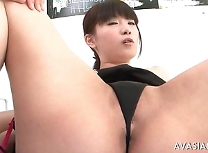 Jap termagant widens her soft bawdy cleft untaken receptive