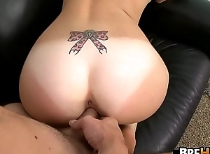 Diminutive woman Jennifer Open fire comes unconnected with for casting.9