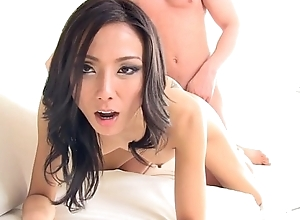 Cute asian bush-league Emi master sucks cock