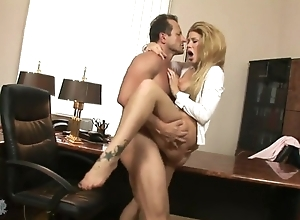 Fabulous chick in overbearing heels satisfying boss in his assignment