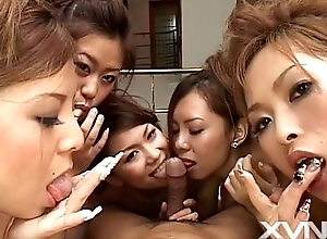 6 Japanese cuties palpate and all over turns going to bed a suppliant
